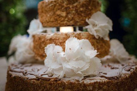 Storia e tradizioni della torta di nozze