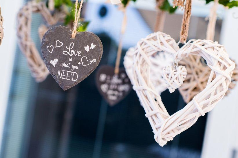 Anniversario Matrimonio Auguri Romantici : Le 50 canzoni italiane più romantiche da dedicare