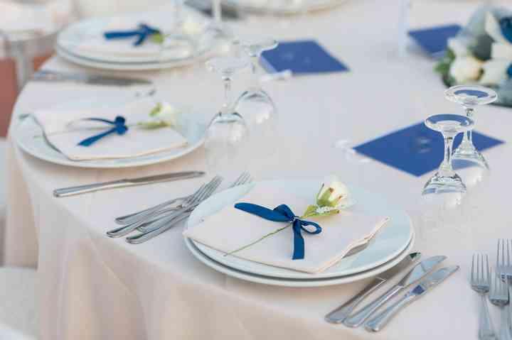 Segnaposto Matrimonio Blu.Nel Blu Dipinto Di Blu Il Colore Tema Delle Vostre Nozze