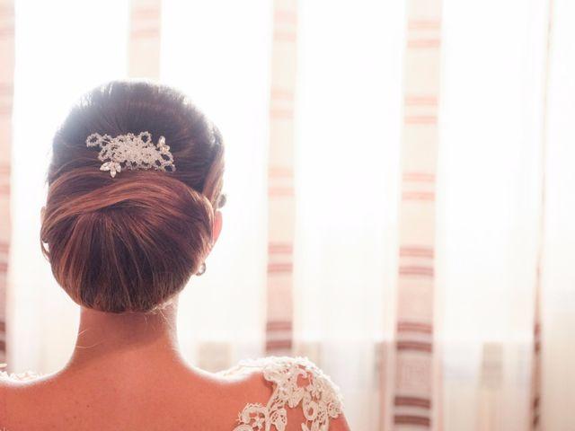 Acconciature da sposa con raccolto basso per un look romantico ed elegante