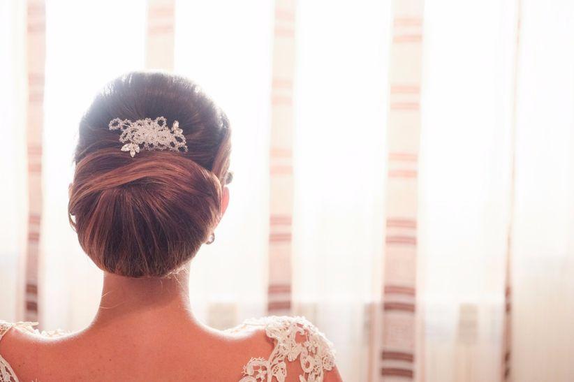 Acconciature da sposa con raccolto basso per un look romantico ed ... fdd4c02705ba