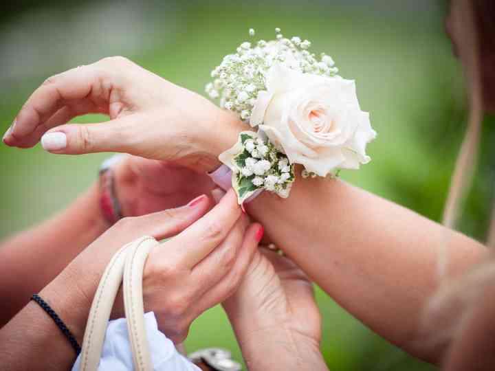 Bouquet Sposa E Damigelle.Damigelle D Onore L Accessorio Piu Romantico E Il Corsage