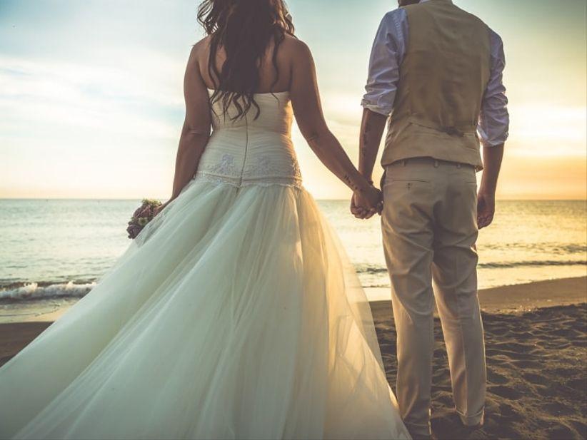 Look Matrimonio Spiaggia : Qual è il look più adatto per un matrimonio in spiaggia