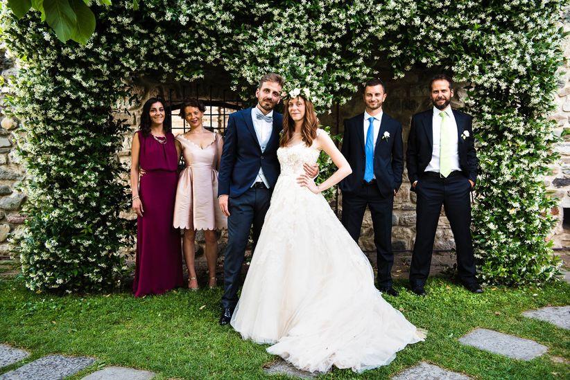 54c99c782dae Quali persone possono accompagnare gli sposi all altare