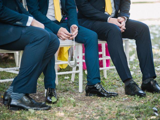 L'eleganza parte dal basso: 5 idee originali per i calzini dello sposo