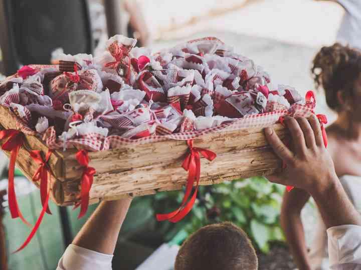 Segnaposto Matrimonio Rosso.65 Idee Per Un Bellissimo Matrimonio In Bianco E Rosso