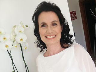 Sara Dinardo Makeup Artist 2