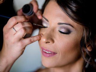 Ilaria Urbani Make-up Artist & Hairstylist 1