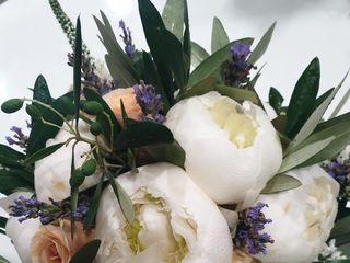 Olimpia Veronico Floral Designer 2