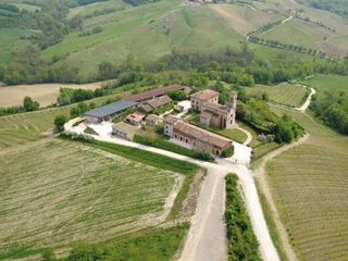 Santa Giustina Location and Wine 1