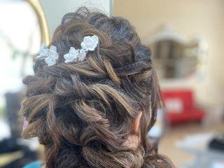Capellimania Hairstylist Maria Avaro 1