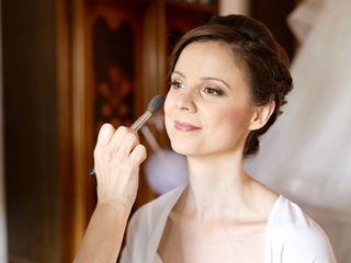 Sere Make-Up Artist 4