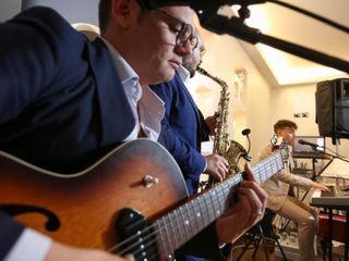 The LuiTon Band 4