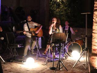 Iza Trio Acustico 1