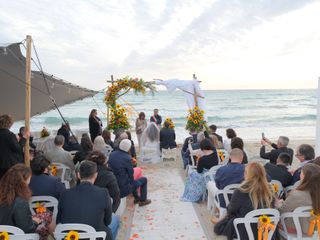 Zeus Beach 4