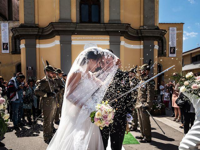 Il matrimonio di Giovanna e Paolo a Pozzuoli, Napoli 29
