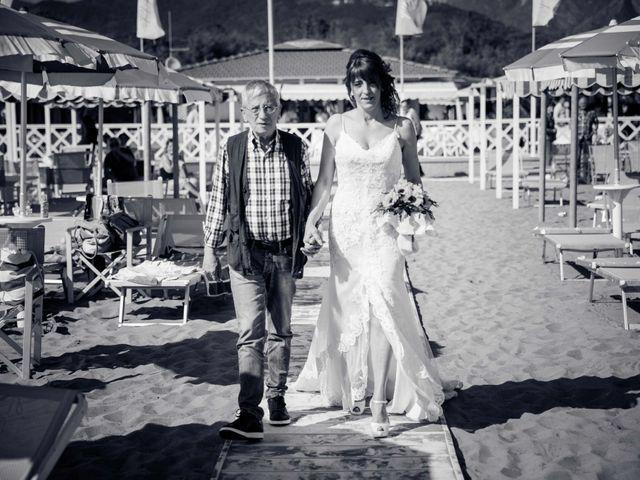 Il matrimonio di Massimiliano e Serena a Carrara, Massa Carrara 28