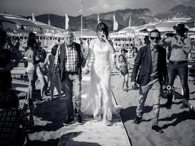 Il matrimonio di Massimiliano e Serena a Carrara, Massa Carrara 30