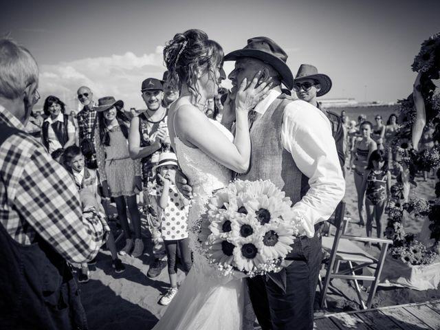 Il matrimonio di Massimiliano e Serena a Carrara, Massa Carrara 31