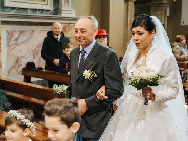 Il matrimonio di Claudio e Yeni a Cappella Cantone, Cremona 19