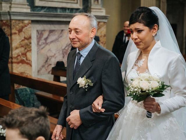 Il matrimonio di Claudio e Yeni a Cappella Cantone, Cremona 20