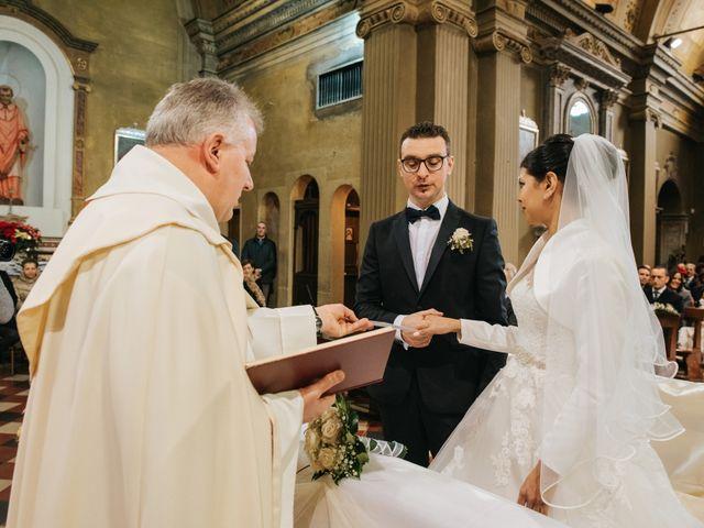 Il matrimonio di Claudio e Yeni a Cappella Cantone, Cremona 24
