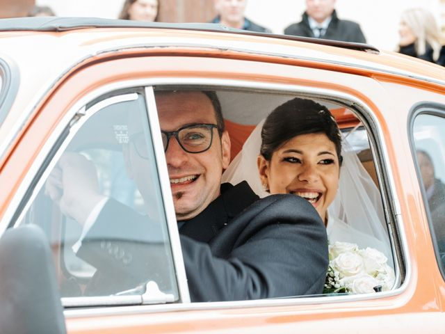 Il matrimonio di Claudio e Yeni a Cappella Cantone, Cremona 29