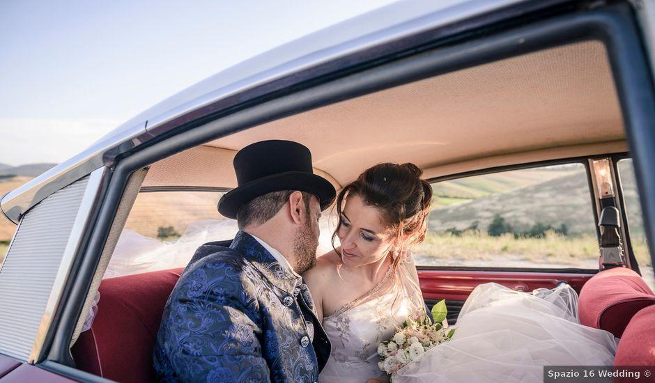 Il matrimonio di Antonio e Sara a Lajatico, Pisa