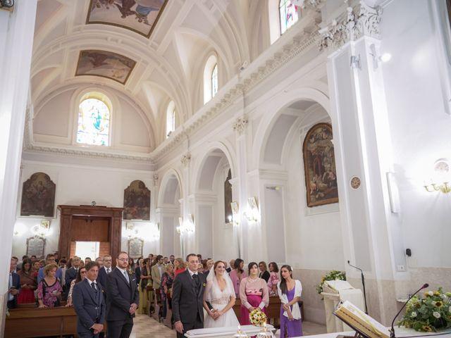 Il matrimonio di Marco e Valeria a Santa Maria a Vico, Caserta 17
