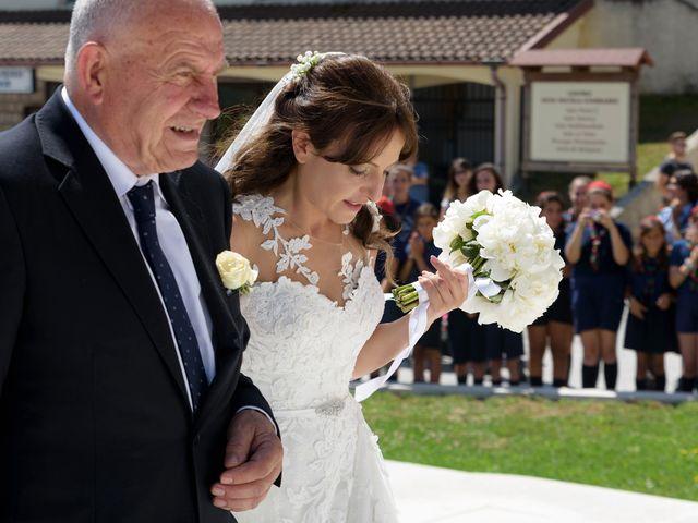 Il matrimonio di Vincenzo e Roberta a Castelpetroso, Isernia 12