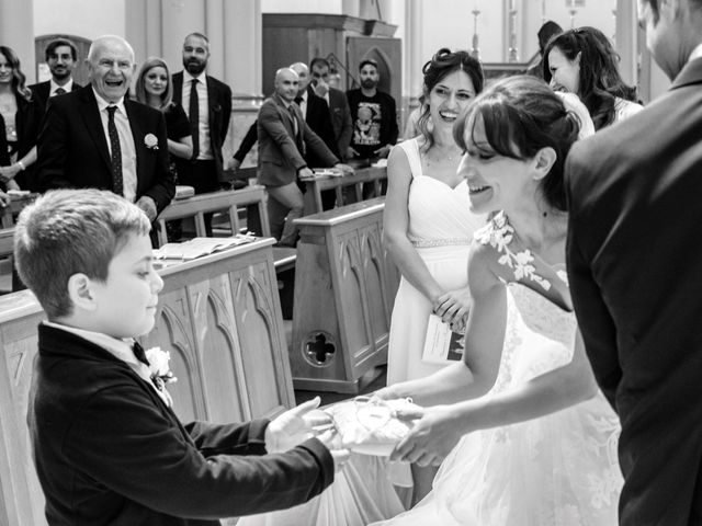 Il matrimonio di Vincenzo e Roberta a Castelpetroso, Isernia 14