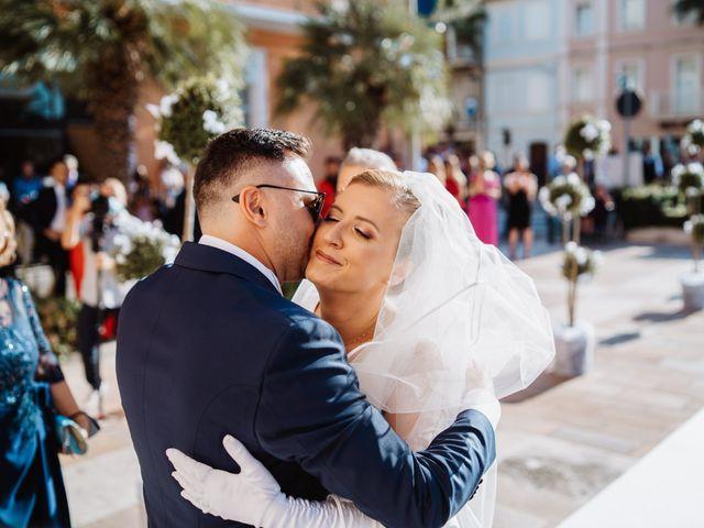 Il matrimonio di Elisa e Francesco a Potenza Picena, Macerata 14