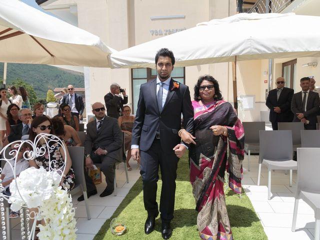 Il matrimonio di Ramanujam e Valentina a Mercato San Severino, Salerno 14