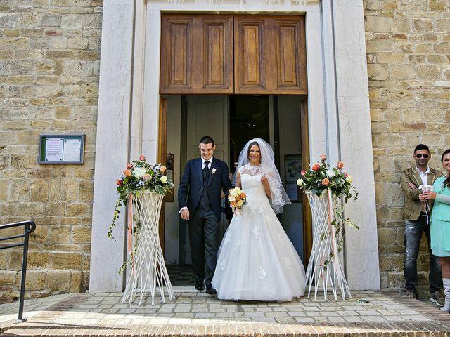 Il matrimonio di Mirko e Giada a Altidona, Fermo 31