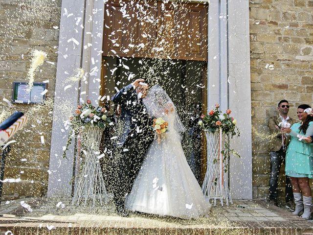 Il matrimonio di Mirko e Giada a Altidona, Fermo 32