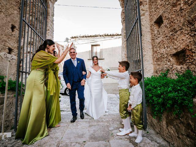 Il matrimonio di Enza e Gustavo a Bovalino, Reggio Calabria 32