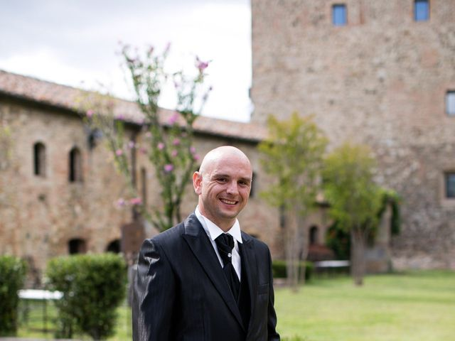 Il matrimonio di Gianni e Elisa a Cinigiano, Grosseto 3