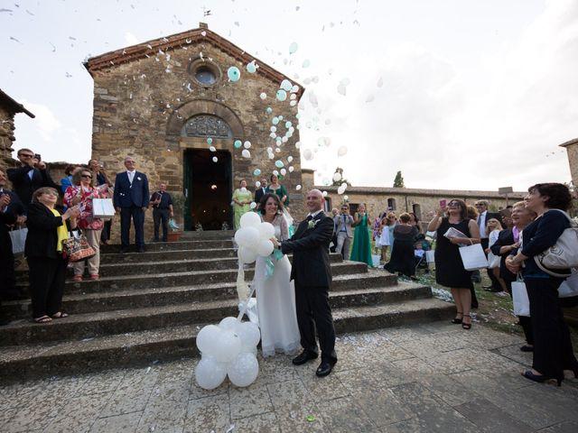 Il matrimonio di Gianni e Elisa a Cinigiano, Grosseto 15