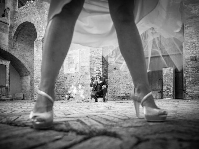Il matrimonio di Massimiliano e Romina a San Gimignano, Siena 15