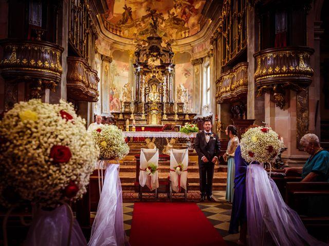 Il matrimonio di Elena e Nicola a Busto Arsizio, Varese 28