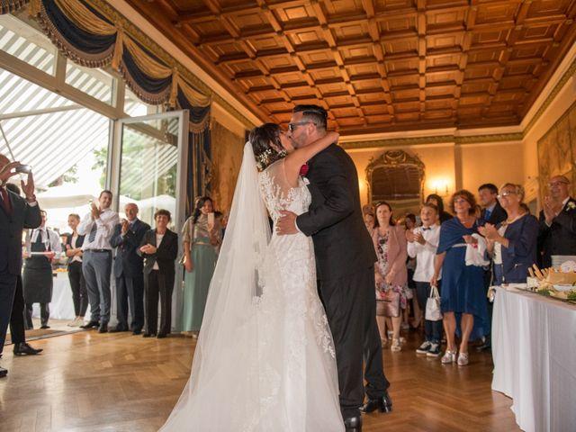 Il matrimonio di Elena e Nicola a Busto Arsizio, Varese 61