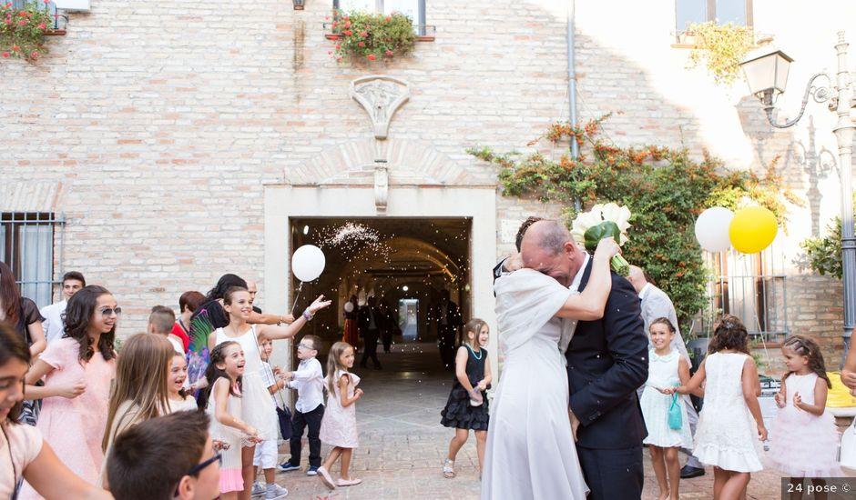 Il matrimonio di Attanasio e Sabrina a Città Sant'Angelo, Pescara