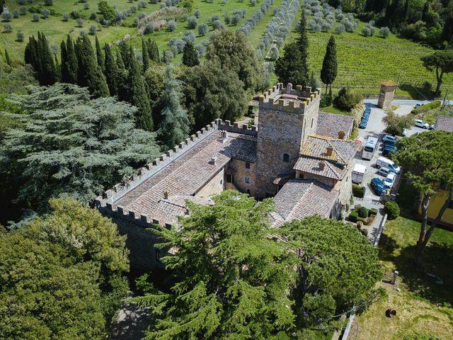 Il matrimonio di Massimiliano  e Débora  a San Casciano in Val di Pesa, Firenze 1
