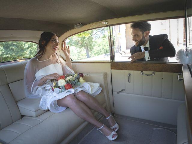 Il matrimonio di Enrico e Laura a Mogliano, Macerata 21