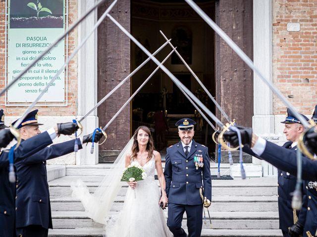 Il matrimonio di Giuseppe e Marika a Santa Maria di Sala, Venezia 17