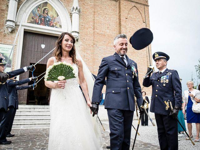Il matrimonio di Giuseppe e Marika a Santa Maria di Sala, Venezia 47