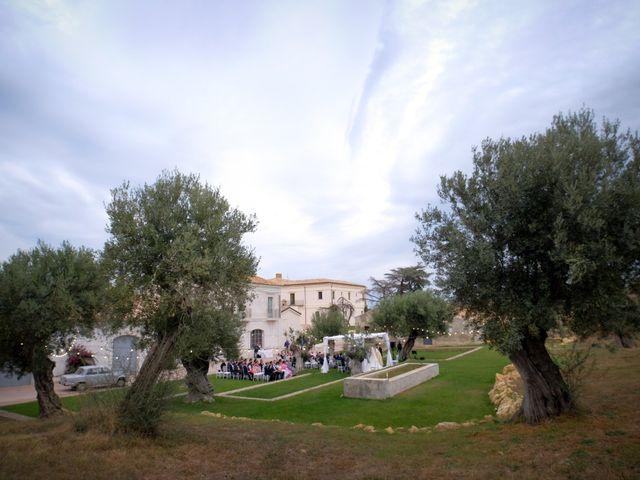 Il matrimonio di Fabian e Ramona a Cirò Marina, Crotone 29