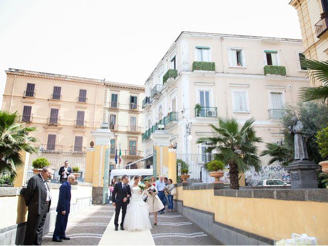 Il matrimonio di Salvatore e Rosaria a Torre del Greco, Napoli 23