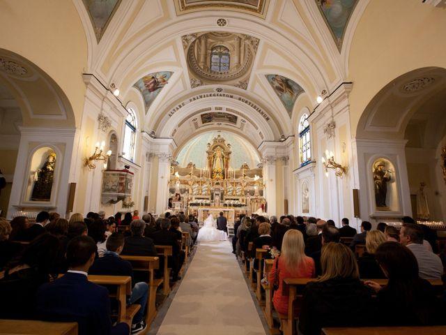 Il matrimonio di Salvatore e Rosaria a Torre del Greco, Napoli 28