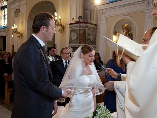 Il matrimonio di Salvatore e Rosaria a Torre del Greco, Napoli 29